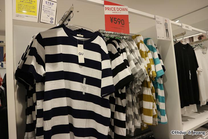 baju T shirts untuk cowok di GU